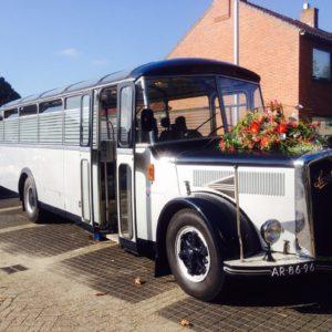 Nostalgische bus vervoerons.nl - Charon Uitvaart