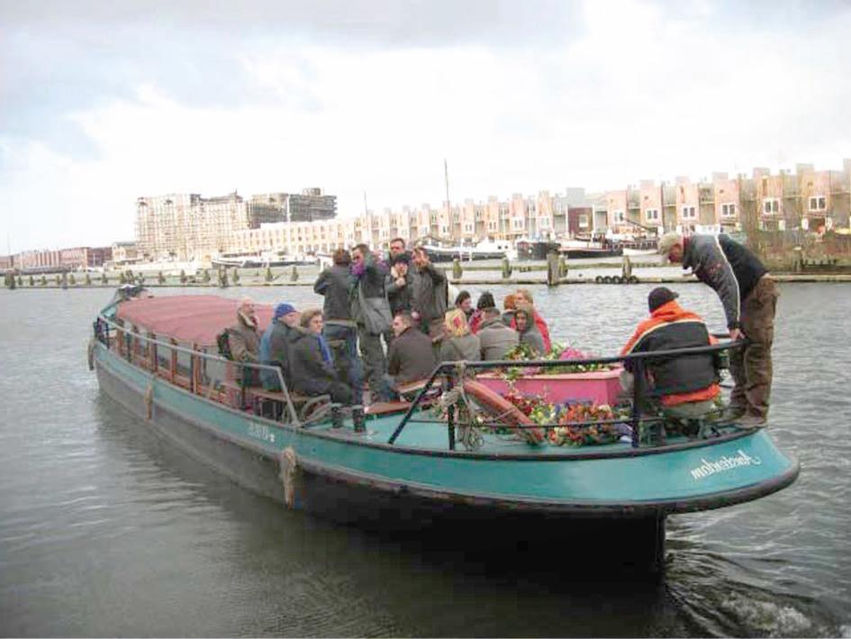 Rouwboot groot - Charon Uitvaartbegeleiding